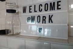 kreativer-Arbeitsplatz-im-Office-Space